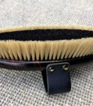 Raised Edge Finish Brush